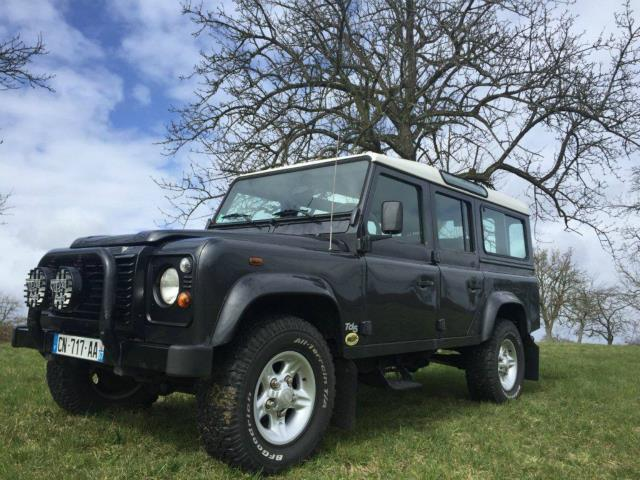 Inventaire: Toyota Tundra, BMW 3.0 CSI et 2 Land Rover Defender 110 TD5