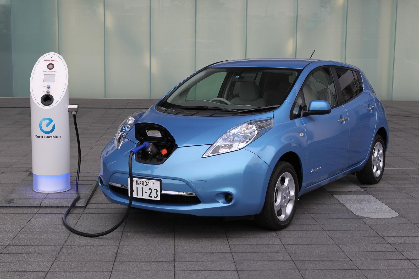 Comment importer une Nissan LEAF au Québec